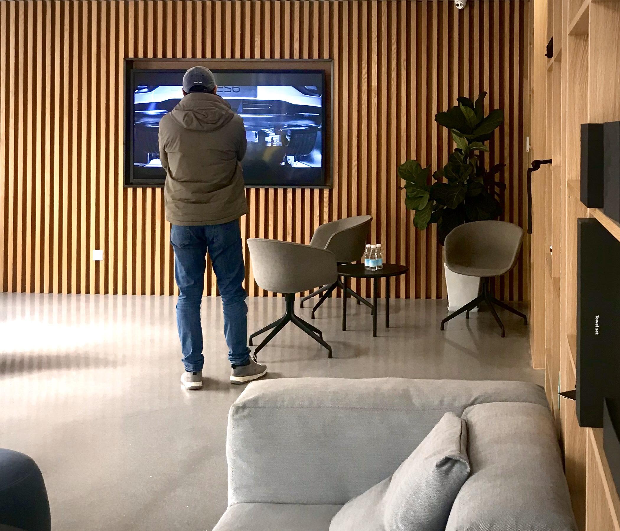 蔚来交付中心的现代设计风格_蔚来ES6怎么样-口碑精选